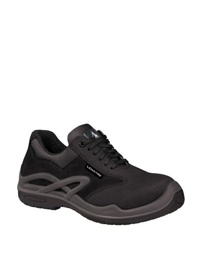Highly polyvalent resistant safety shoe ROYAN S3 CI